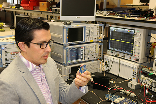 Hands-on in the labs with new Keysight mmWave radio heads