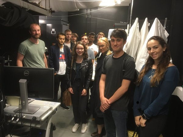 Students from the 2017 TRENDS summer school visiting Mike Ashby's lab.