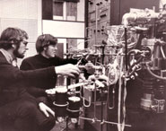 Colin Pillinger (R) and Paul Abel (L) analysing moondust
