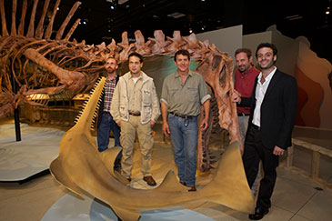 Image of researchers with spinosaurus