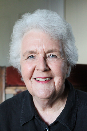 how old is stephanie cole