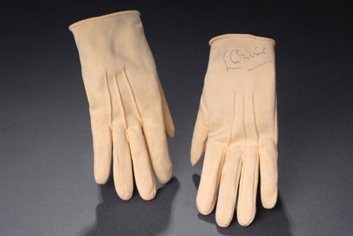 Olivier's gloves