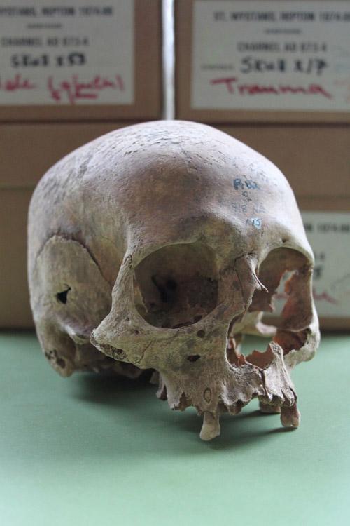 February: radiocarbon viking grave | News | University of