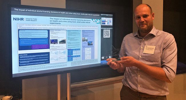 Frank de Vocht wins 2nd best poster prize at PHE annual conference 2020